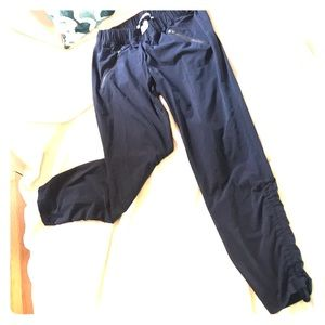 💙ATHLETA Navy Poly/Spandex lightweight joggers